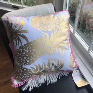 Lilly Pulitzer indoor/outdoor reversible pillow